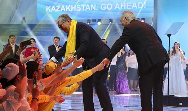 Эксперт: Казахстанский транзит власти не будет таким легким, как в Узбекистане
